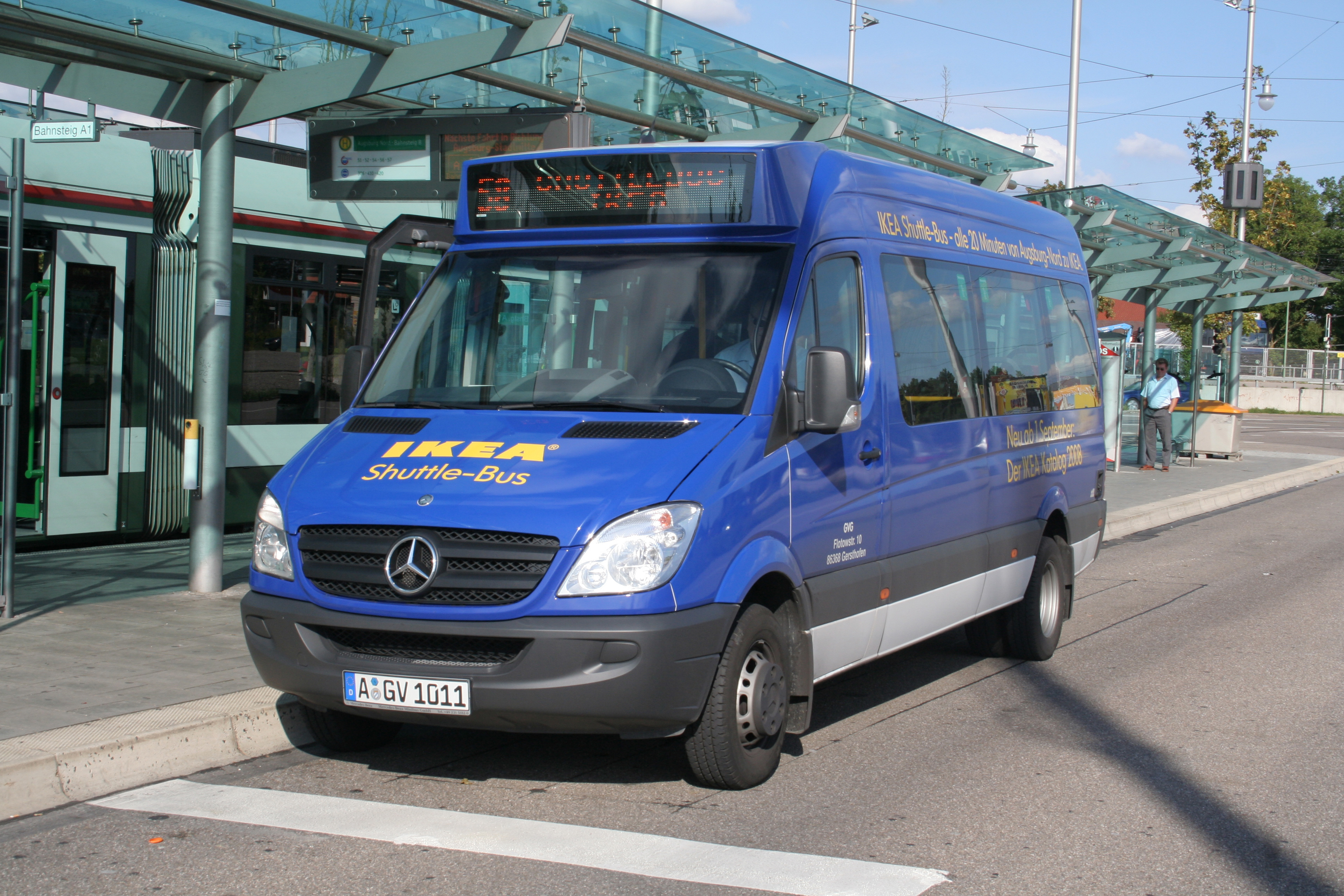 Awesome Life Hack of the Week: Free shuttles for shopping