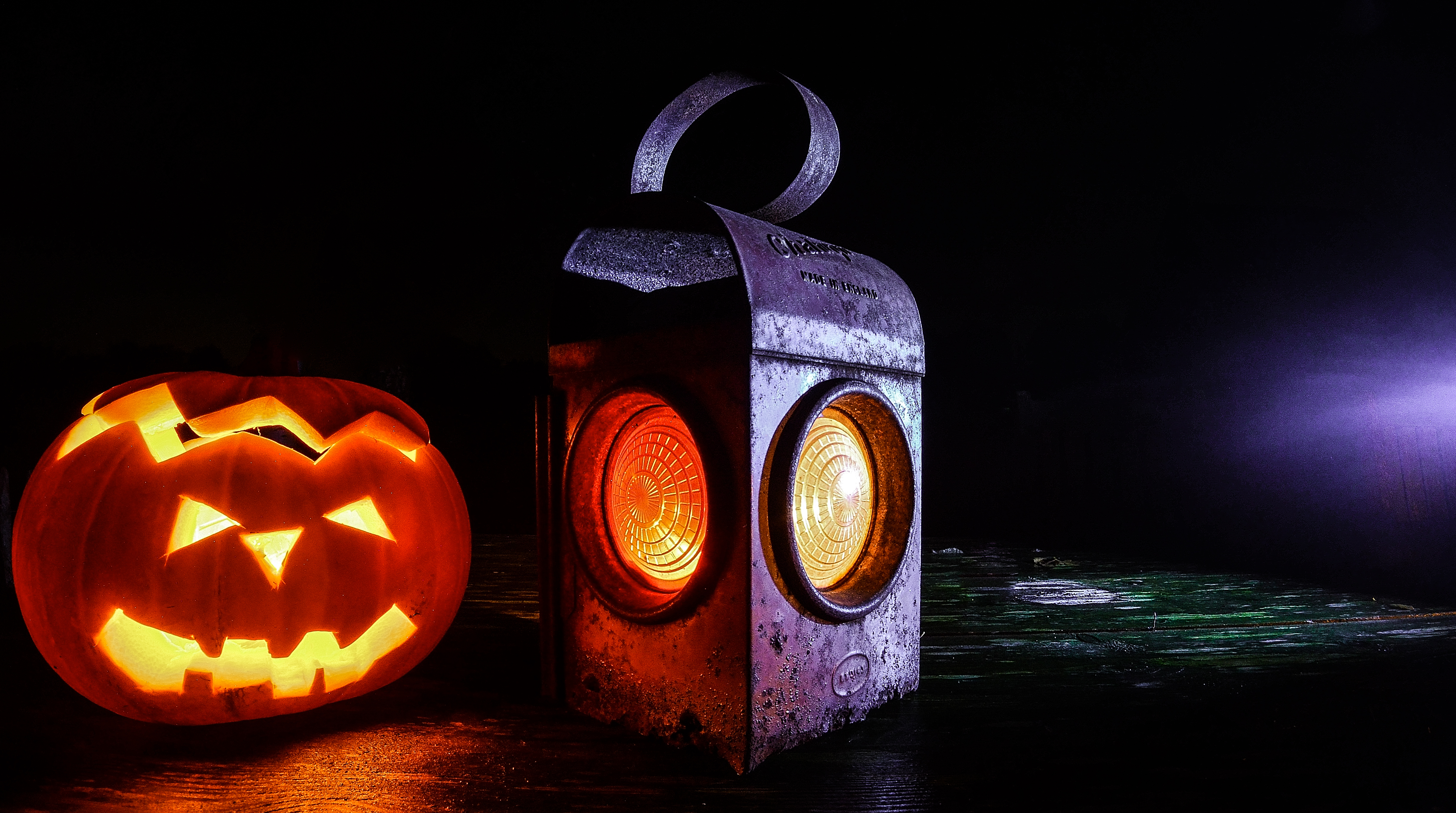 How to host a great Halloween party without breaking the bank