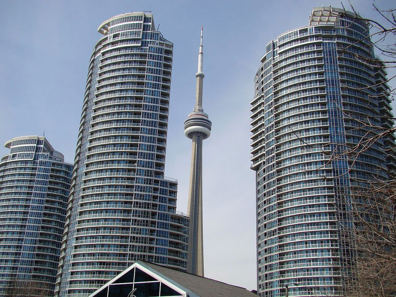 Top 16 Toronto Neighbourhoods for Young Professionals