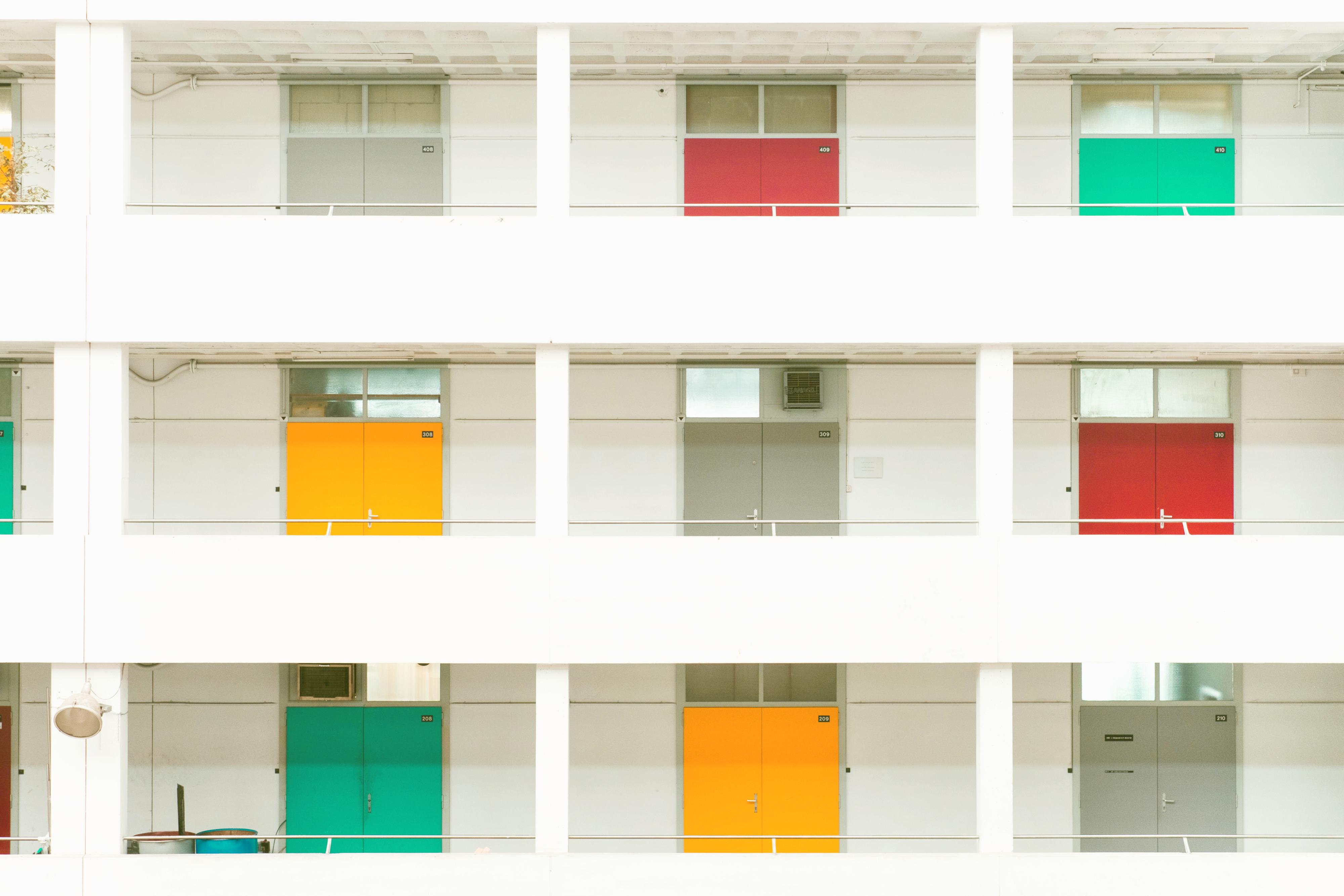 Living on the ground floor vs. an upper