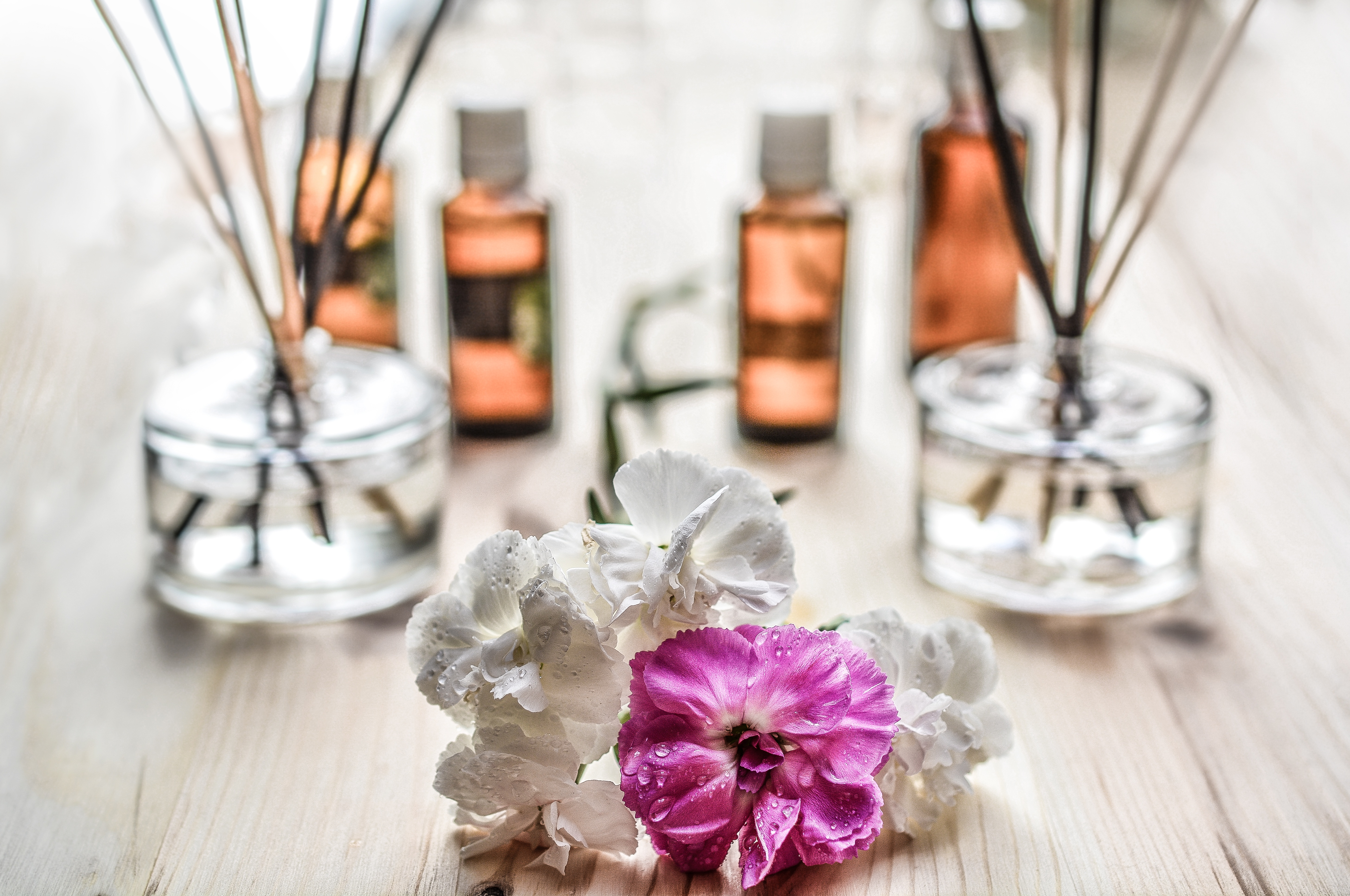 make your apartment smell good with natural scents
