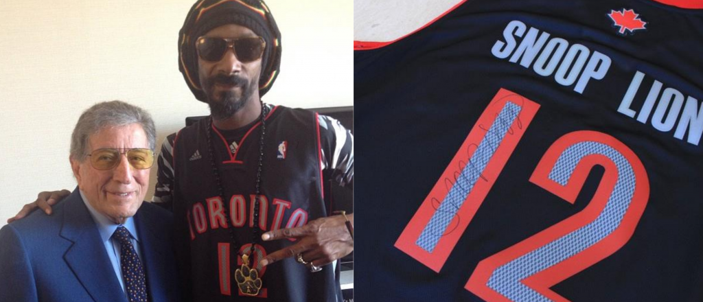 snoop lion in basketball jersey with tony bennett